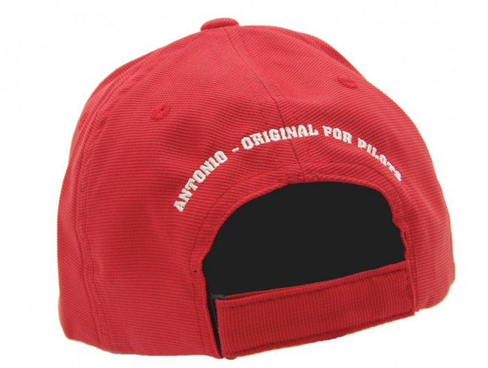 Baseball cap with motive KISS ME BEFORE FLIGHT
