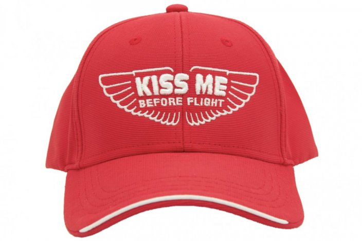Baseball cap met motief KISS ME BEFORE FLIGHT