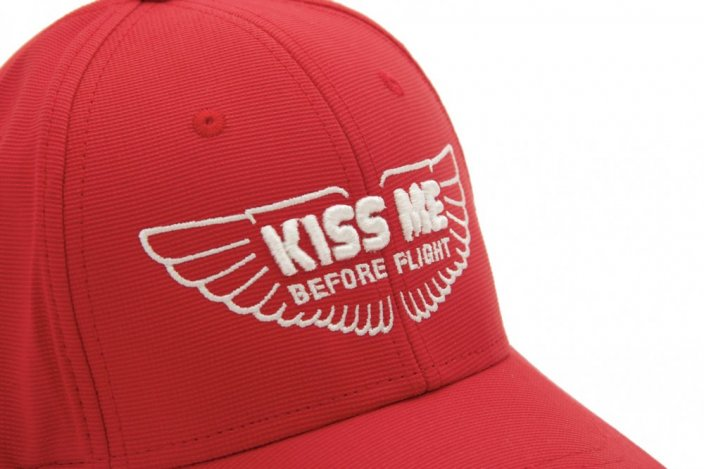 Baseball cap med motiv KISS ME BEFORE FLIGHT